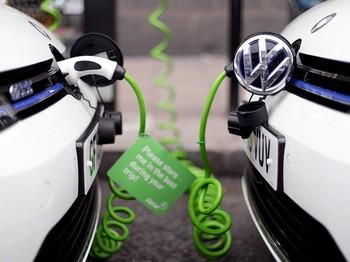 Электромобилли келажак: Нефть истеъмоли учдан бирга қисқариши мумкин